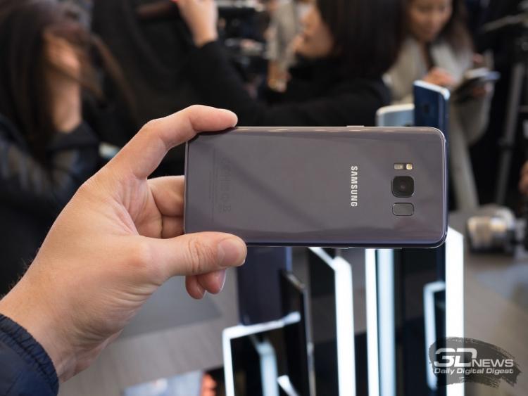 """Глава Samsung Mobile: наш складной телефон — не рекламная уловка"""""""