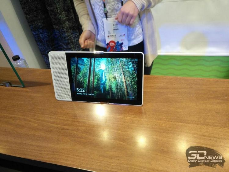 "MWC 2018: Lenovo Smart Display — гибрид «умной» колонки и планшета"""