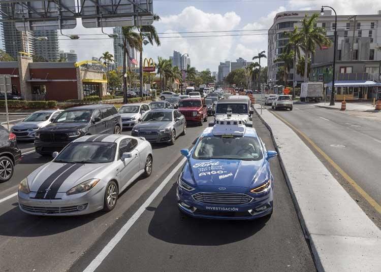 """Ford начала тестирование самоуправляемых автомобилей в Майами"""""""
