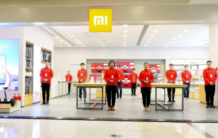 sm.xiaomi mi store b.750 - Xiaomi намерена вывести смартфоны на американский рынок