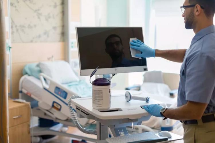"""HP представила специальные ноутбук, моноблок и дисплей для больниц"""""""