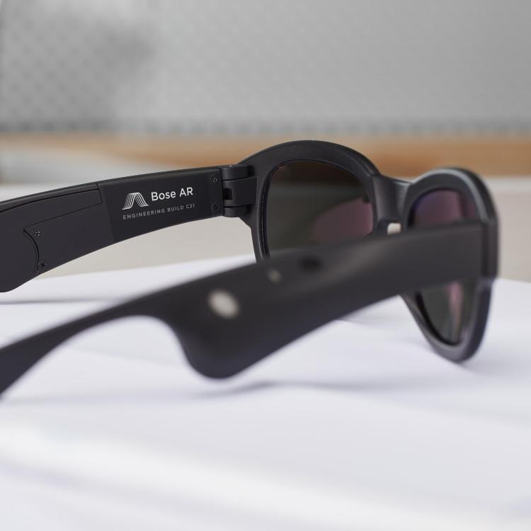 Bose разрабатывает очки дополненной реальности с акцентом на звук