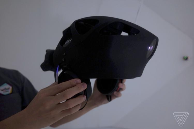 """Система Sony Superception Head Light покажет, каким может видеть окружающий мир насекомое"""""""