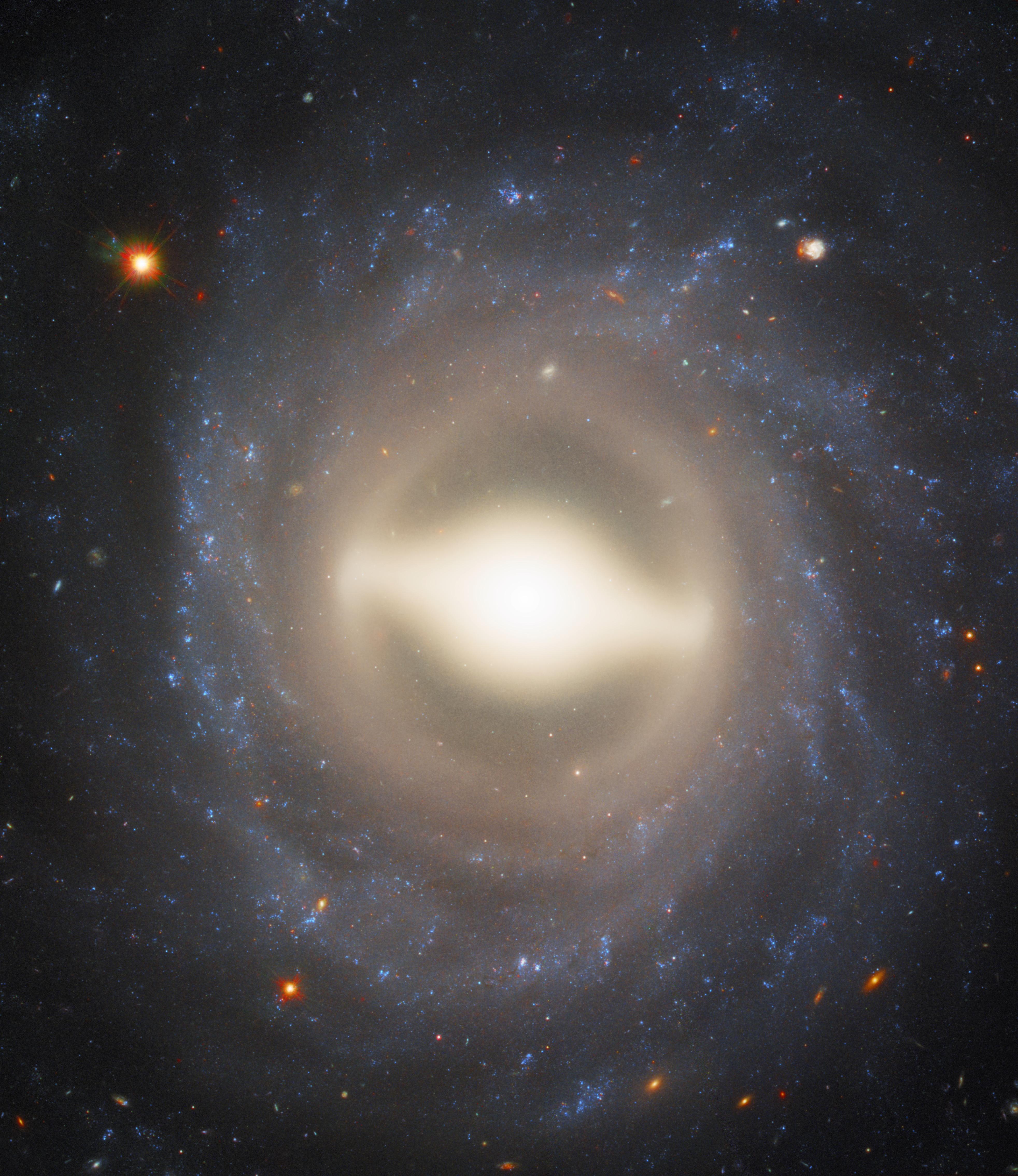 «Хаббл» отыскал мертвую галактику около Млечного Пути
