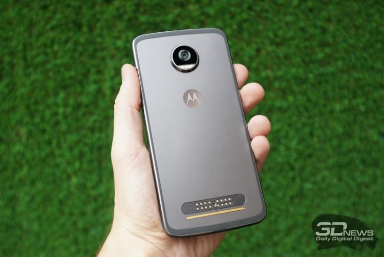"""Lenovo не намерена проводить массовые сокращения в Motorola"""""""
