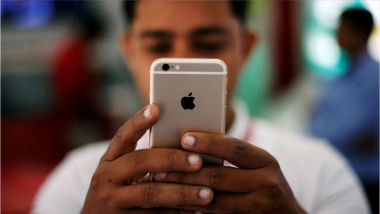 Apple приостановила производство iPhone