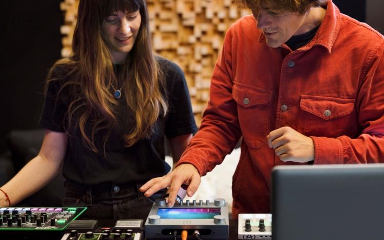 """Google представила инструмент для поиска новых звуков с помощью ИИ"""""""