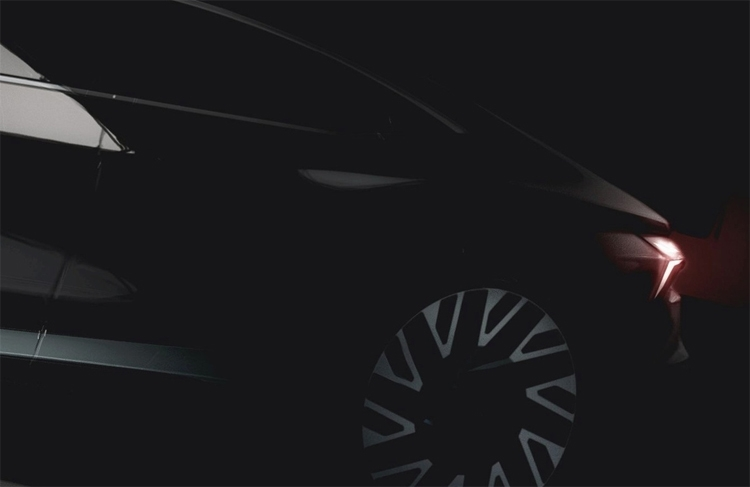 "Audi приоткрыла завесу тайны над электрокаром e-tron GT"""