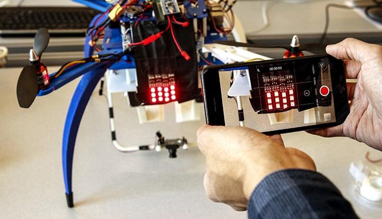 """Ford предлагает идентифицировать беспилотники по световому коду"""""""