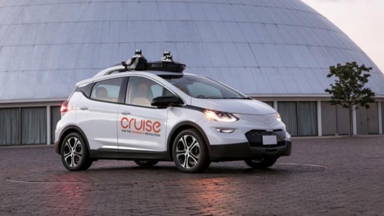"""General Motors направит $100 млн на модернизацию для выпуска робомобиля без руля и педалей в 2019 году"""""""