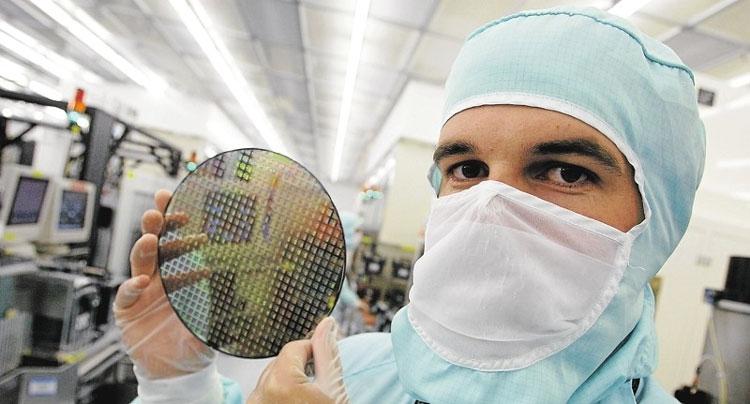 Пример 200-мм пластины с чипами (www.lesechos.fr)