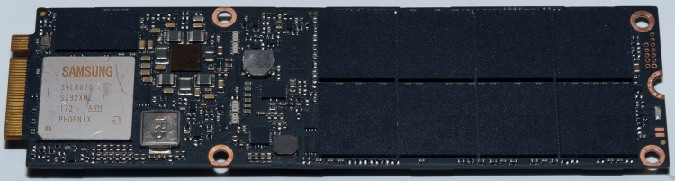 Samsung PM983 NF1. Фото AnandTech