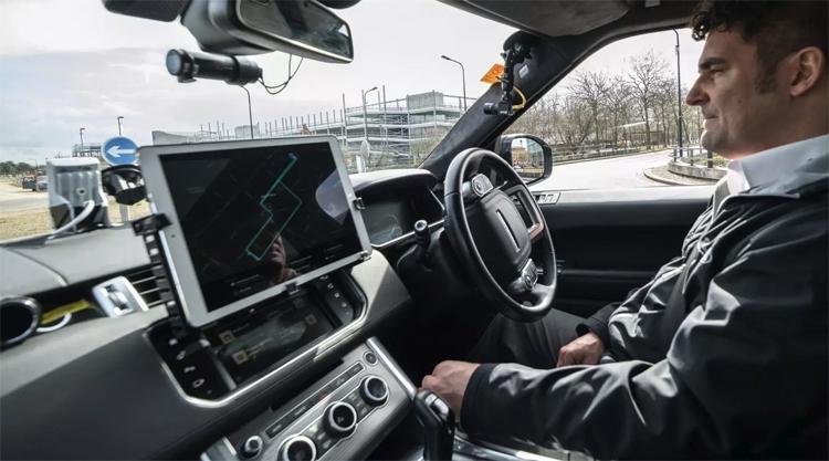 """В Jaguar Land Rover разработана передовая система автономной парковки"""""""
