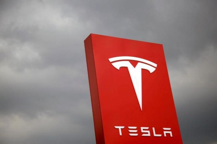 123 тыс. электрокаров Tesla Model Sотзывают из-за сложностей срулевым управлением