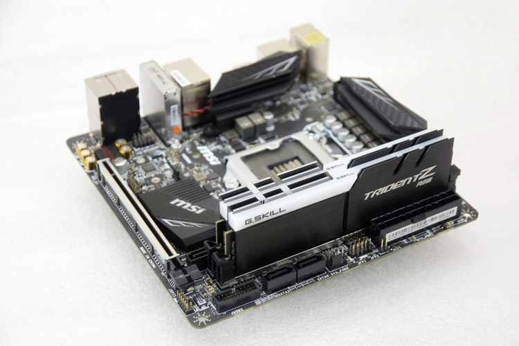 gs1 - G.SKILL показала работу памяти DDR4 на частоте 5000 МГц с воздушным охлаждением