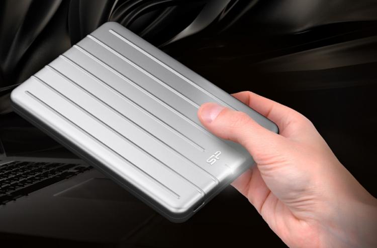 sp1 - Silicon Power Bolt B75: портативный SSD-накопитель вместимостью до 960 Гбайт