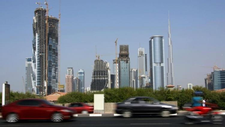 """В Дубае протестируют автомобильные цифровые номерные знаки"""""""