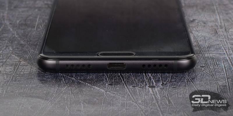 Huawei P20 Pro, нижняя грань: порт USB Type-C и решетка динамика (справа от него)