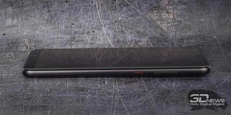 Huawei P20 Pro, правая грань: клавиши включения и регулировки громкости/спуска затвора камеры