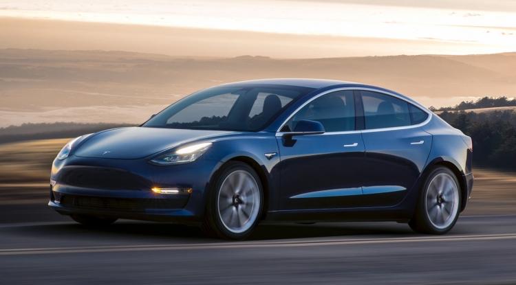"""Tesla увеличит производство Model 3 до 5000 штук в неделю"""""""