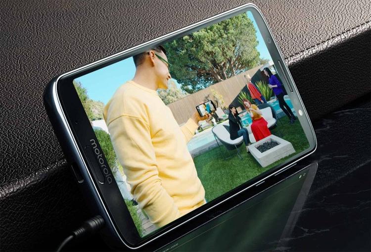 """Дебют смартфонов семейства Moto G6 с экраном 18:9"""""""