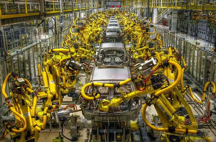 """В 2017 году в России удвоили установку промышленных роботов"""""""