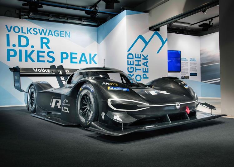"Volkswagen I.D. R Pikes Peak: гоночный автомобиль на электротяге"""