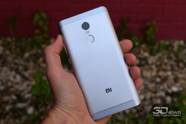 Мобильные телефоны Xiaomi впервый раз обогнали айфоны попродажам в РФ