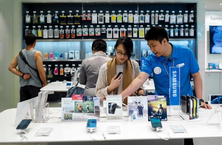Прибыль Самсунг подросла на52,1% вчетвертом квартале
