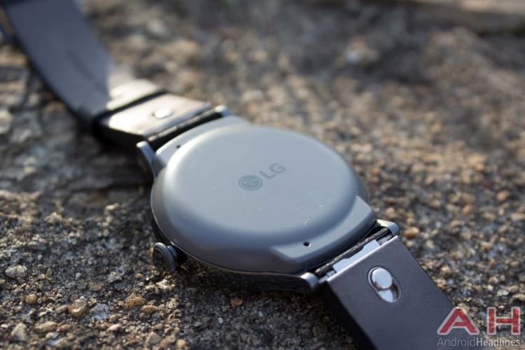 "LG занята разработкой гибридных смарт-часов Watch Timepiece"""