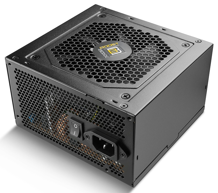 Компоненты БП обдуваются 120-мм вентилятором