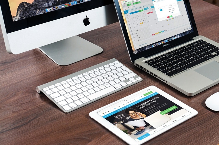 """Продажи смартфонов и планшетов Apple растут"""""""