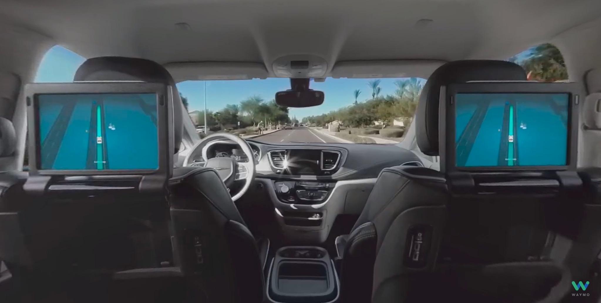 """Видео столкновения робомобиля Waymo в Аризоне"""""""