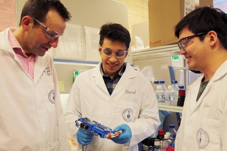 В Университете Торонто создали портативный 3D-принтер для печати кожного покрова