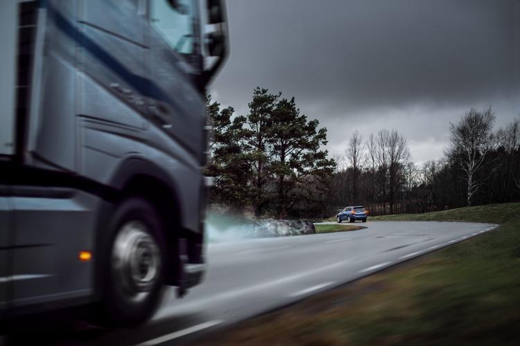"""Автомобили Volvo начнут обмениваться данными в реальном времени"""""""