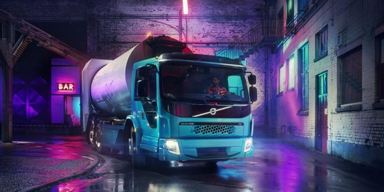 """Volvo представила электрический мусоровоз с грузоподъёмностью 27 т"""""""