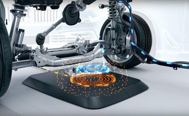 """BMW выпустит беспроводную зарядку для электромобилей летом"""""""
