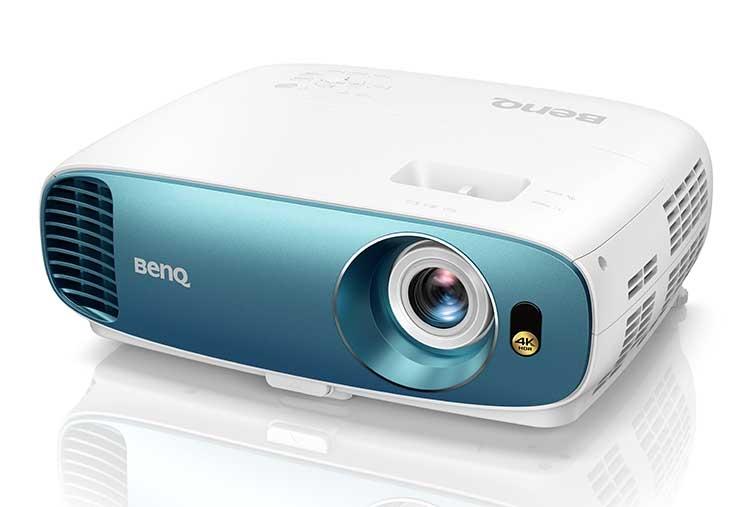 """Домашний проектор BenQ TK800 с поддержкой 4K и HDR воспроизведёт атмосферу стадиона"""""""
