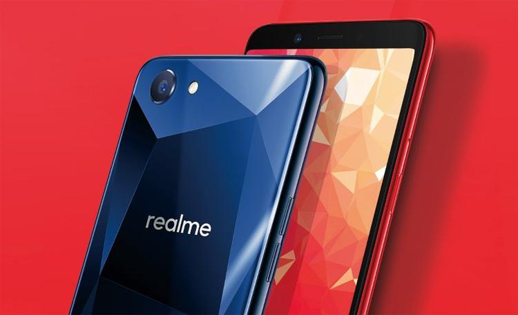 Oppo показала безрамочный смартфон Realme 1 за200 долларов