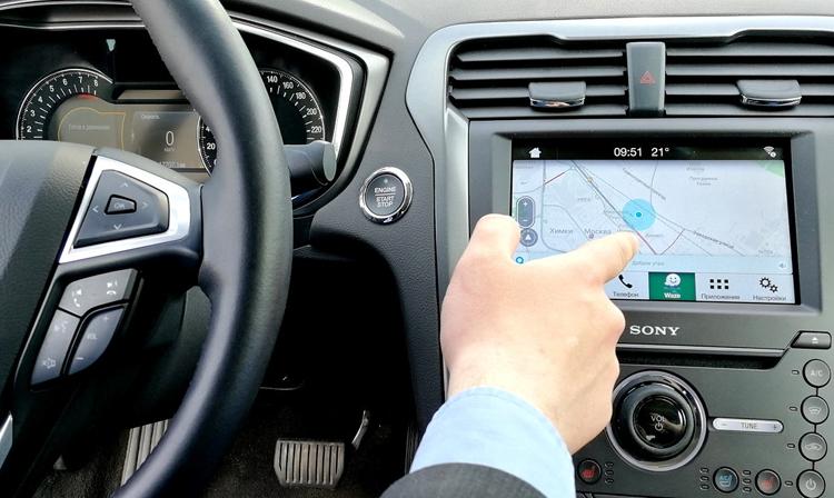 """Все автомобили Ford в России и мире обзаведутся навигацией Waze"""""""