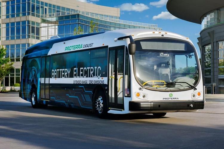 """Bloomberg: через 22 года 80 % автобусов будут полностью электрическими"""""""
