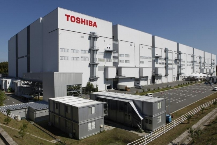 Завод Toshiba Fab 6 в Йоккаити