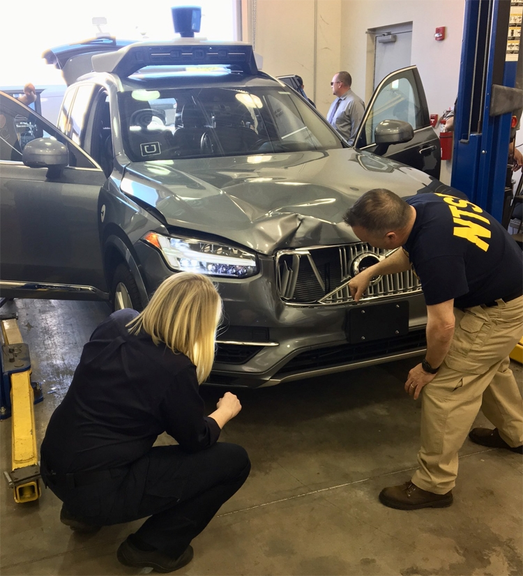 """Uber сворачивает испытания робомобилей в Аризоне после смертельного ДТП"""""""