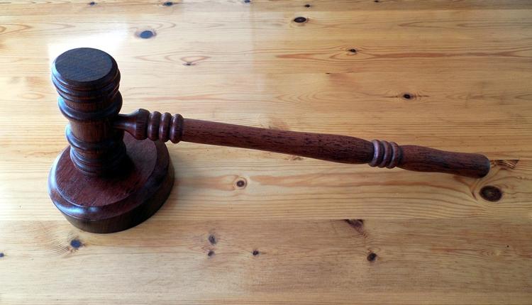 """Суд наказал Samsung на полмиллиарда долларов за нарушение патентов Apple"""""""