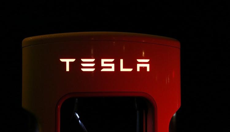 """Tesla рассказала о местоположении будущих зарядных станций Supercharger"""""""
