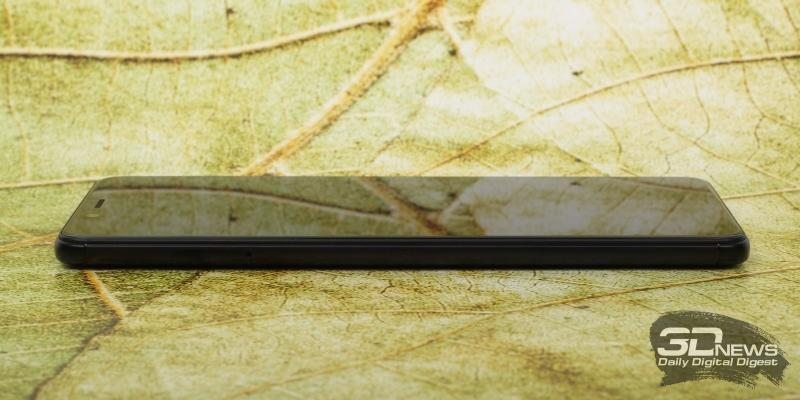 Xiaomi Redmi Note 5, левая грань: слот для SIM-карт и/или карты памяти
