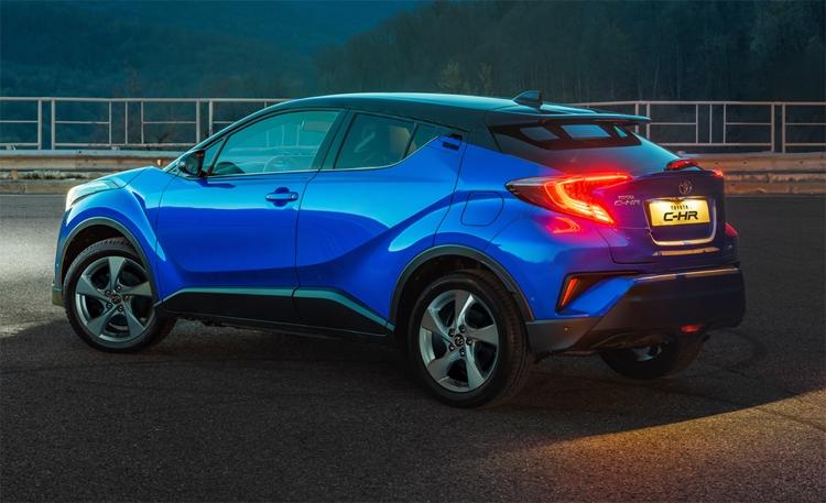 """Раскрыто оснащение кроссовера Toyota C-HR для российского рынка"""""""