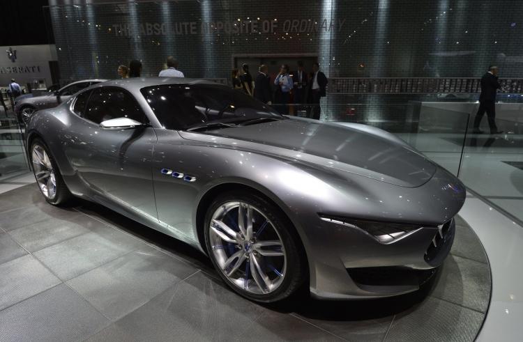 """Fiat Chrysler запустит более 30 новых моделей гибридов и электромобилей к 2022 году"""""""