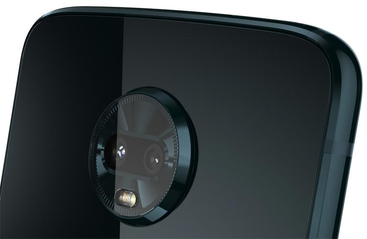 """Дебют смартфона Moto Z3 Play: двойная камера и поддержка Moto Mods"""""""