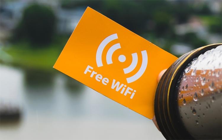 df1ec491eca2 Наконец, сообщается, что зона покрытия Wi-Fi расширилась в восьми парках,  где появились более 100 новых точек доступа. В целом, городской Интернет  действует ...